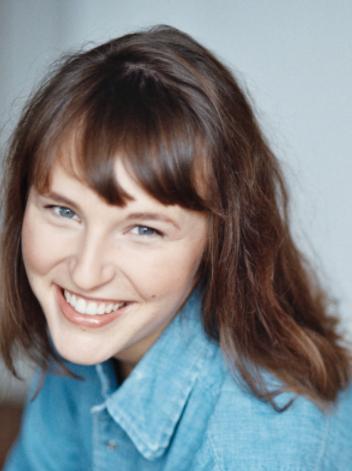 Caroline Monnier – Comédienne et Coach